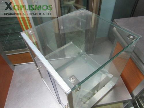 vitrina oudeteri epitrapezia gyalini 4 500x375 - Επιτραπέζια Γυάλινη Βιτρίνα Ουδέτερη