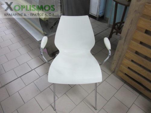 karekla aspri plasstiki me mpratso 1 500x375 - Άσπρη καρέκλα με μπράτσα