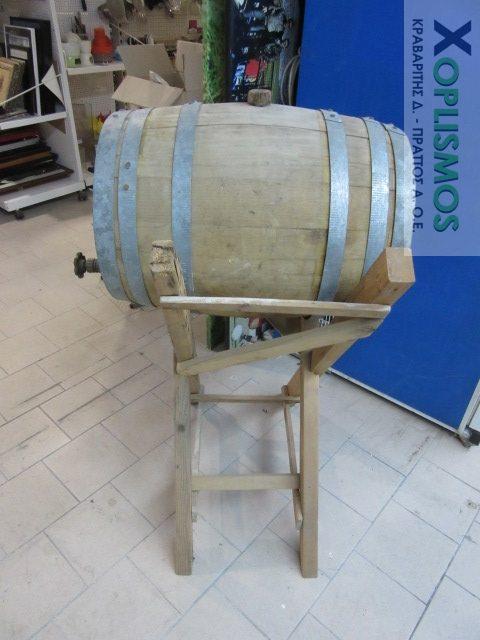 vareli xylino me vasi 3 e1543499543803 - Ξύλινο βαρέλι κρασιού